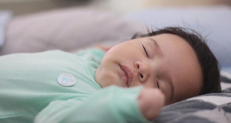 Ab wann schlafen Babys durch?